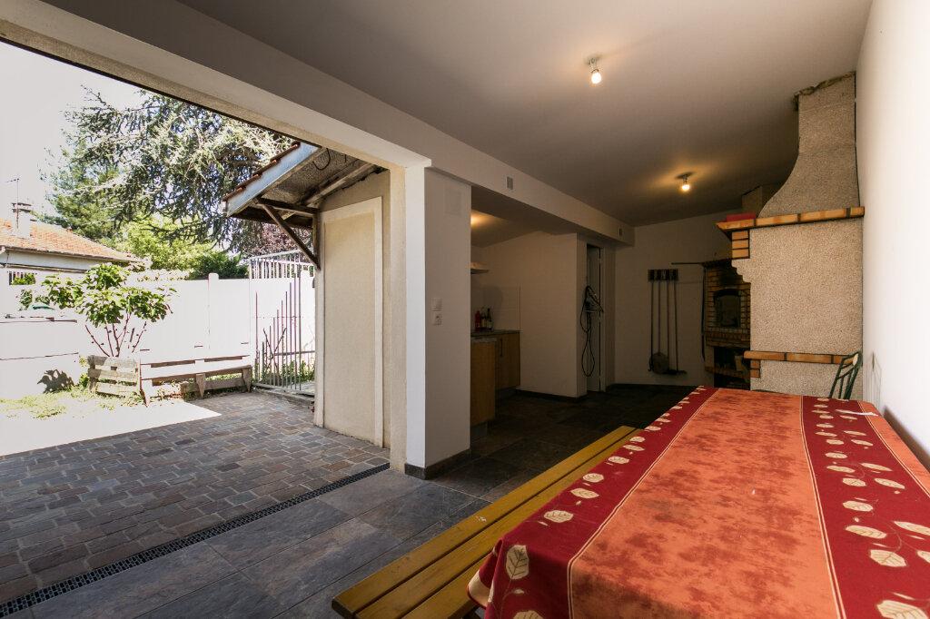 Maison à vendre 7 198m2 à Chennevières-sur-Marne vignette-16