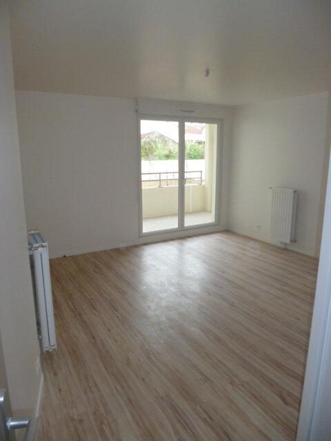 Appartement à louer 2 42.57m2 à Rosny-sous-Bois vignette-2