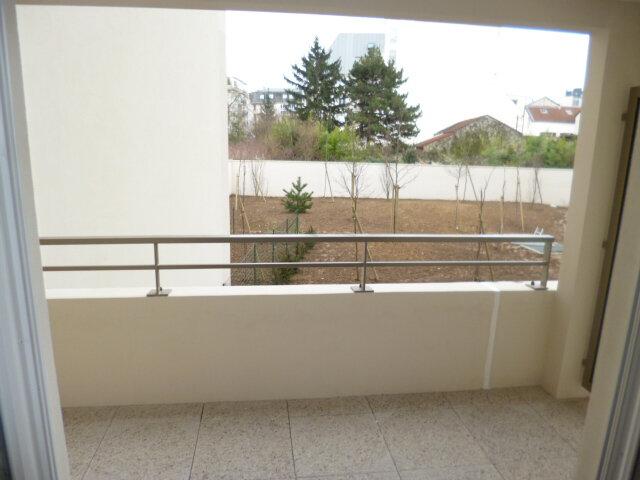 Appartement à louer 2 42.57m2 à Rosny-sous-Bois vignette-3