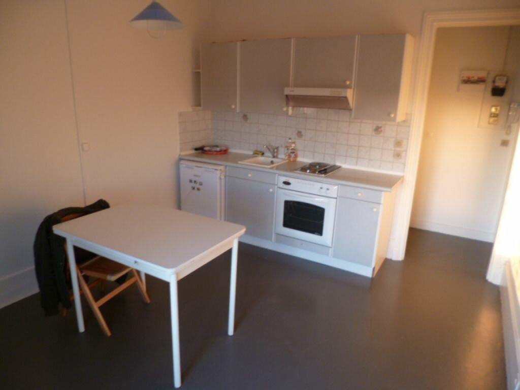 Appartement à louer 2 34m2 à Rosny-sous-Bois vignette-2