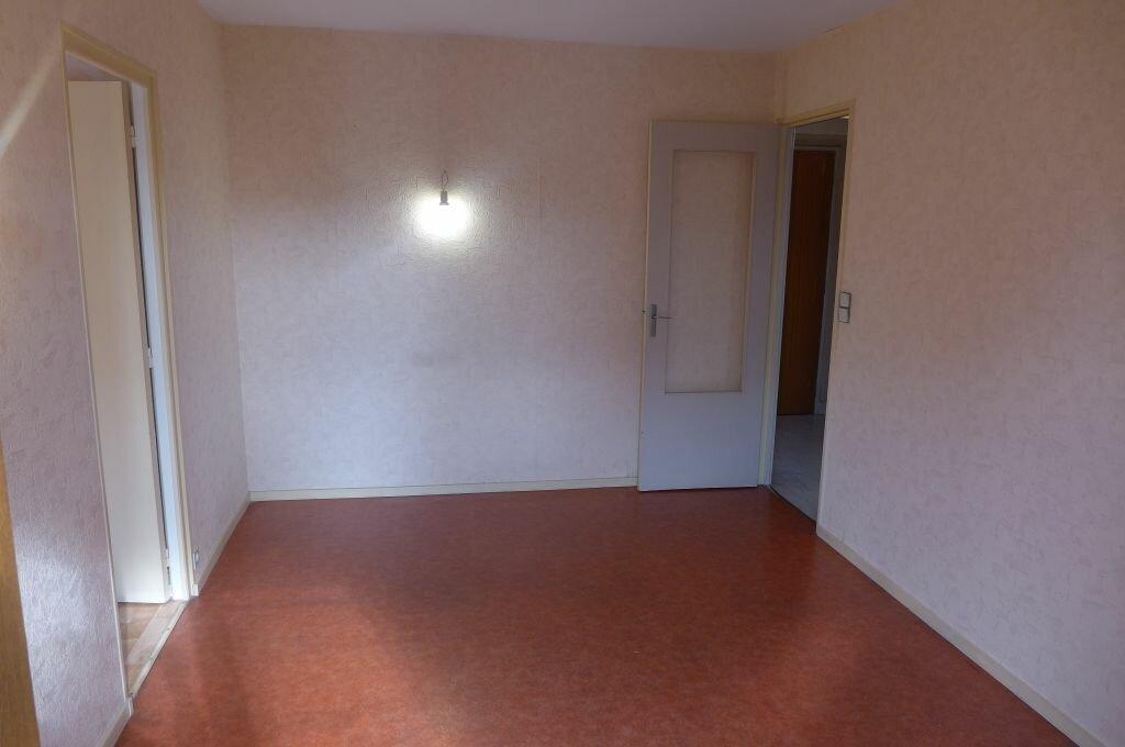 Appartement à louer 2 37.14m2 à Rosny-sous-Bois vignette-1