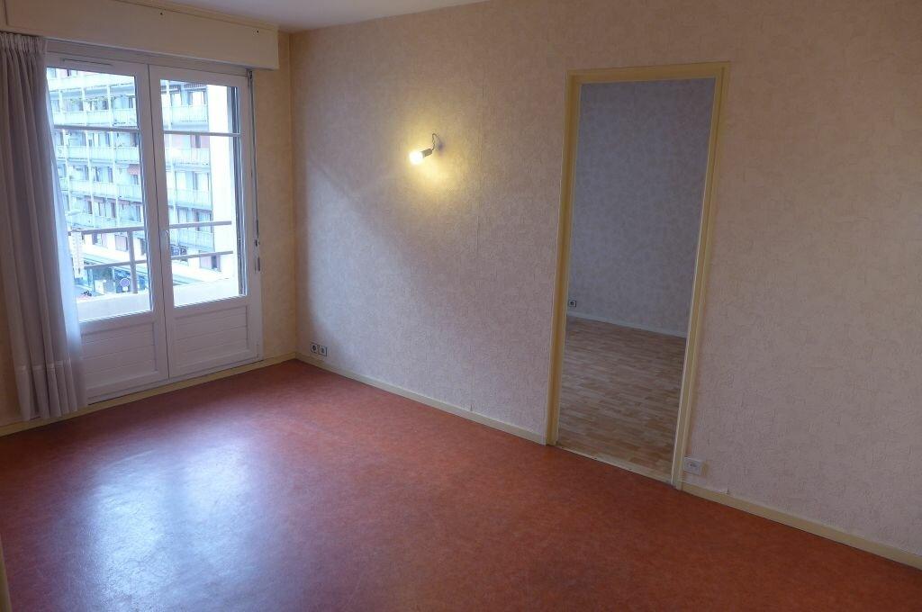 Appartement à louer 2 37.14m2 à Rosny-sous-Bois vignette-2