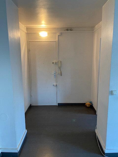 Appartement à louer 3 53.17m2 à Rosny-sous-Bois vignette-3