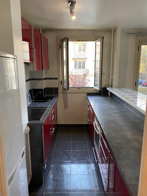 Appartement à louer 3 53.17m2 à Rosny-sous-Bois vignette-4