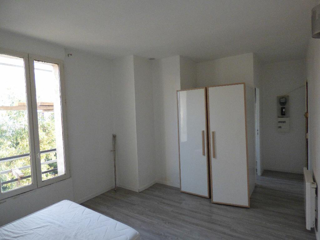 Appartement à louer 1 20.43m2 à Rosny-sous-Bois vignette-2
