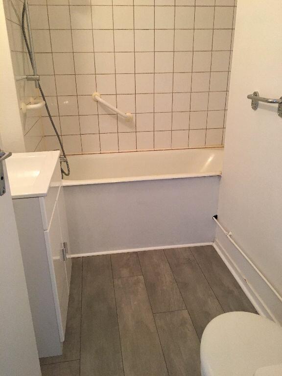 Appartement à louer 1 27.93m2 à Chelles vignette-5