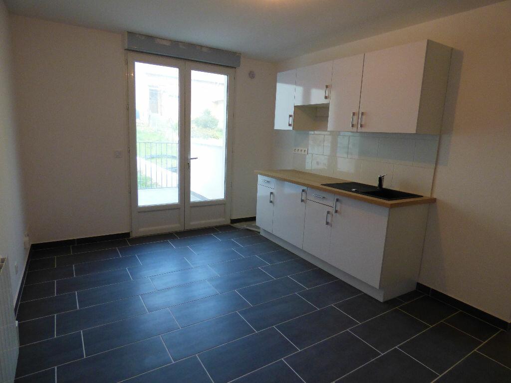 Appartement à louer 2 28.24m2 à Fontenay-sous-Bois vignette-1
