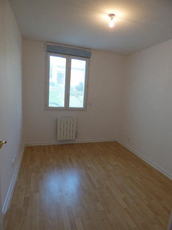 Appartement à louer 2 28.24m2 à Fontenay-sous-Bois vignette-2