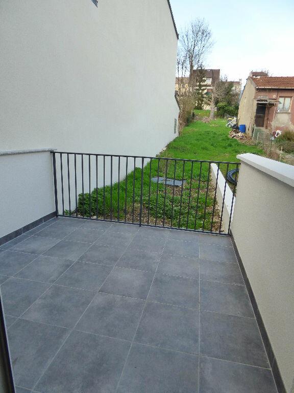 Appartement à louer 2 28.24m2 à Fontenay-sous-Bois vignette-3