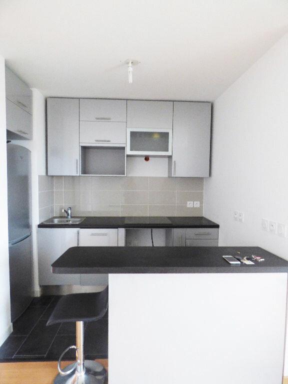 Appartement à louer 2 40.6m2 à Rosny-sous-Bois vignette-2