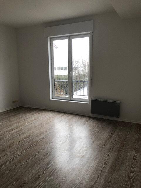 Appartement à louer 3 53.02m2 à Neuilly-Plaisance vignette-2