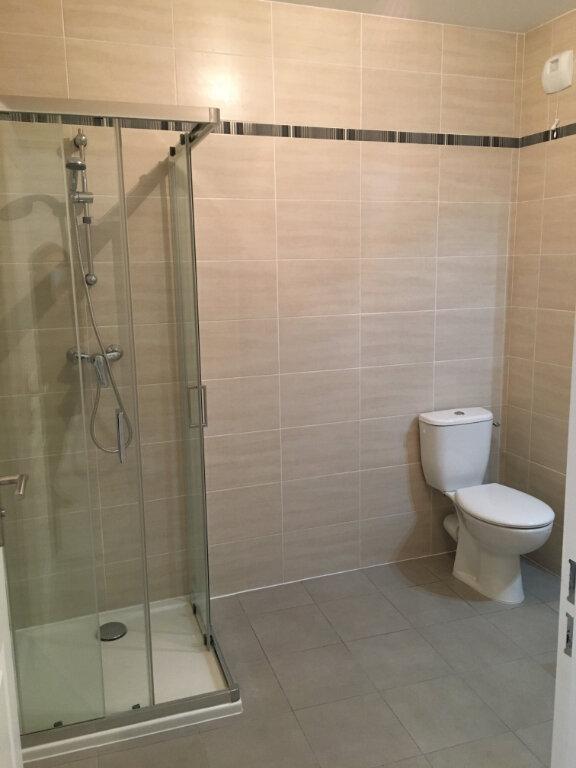 Appartement à louer 1 34.2m2 à Neuilly-Plaisance vignette-5