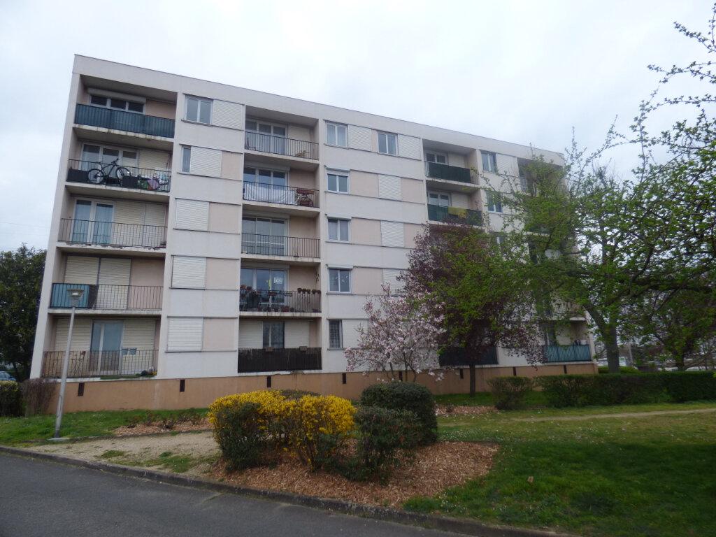 Appartement à louer 3 66.69m2 à Rosny-sous-Bois vignette-14