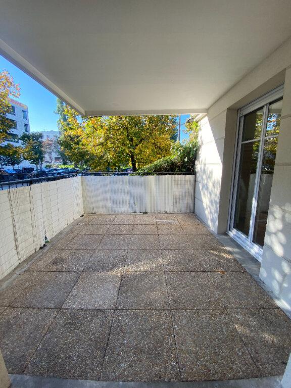 Appartement à louer 4 70.16m2 à Le Bourget vignette-1