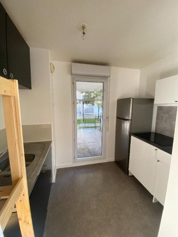Appartement à louer 4 70.16m2 à Le Bourget vignette-8