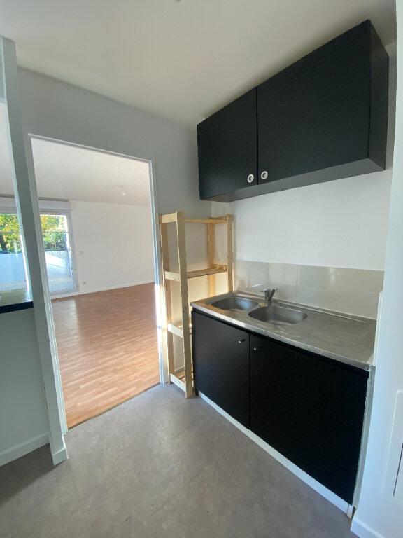 Appartement à louer 4 70.16m2 à Le Bourget vignette-9