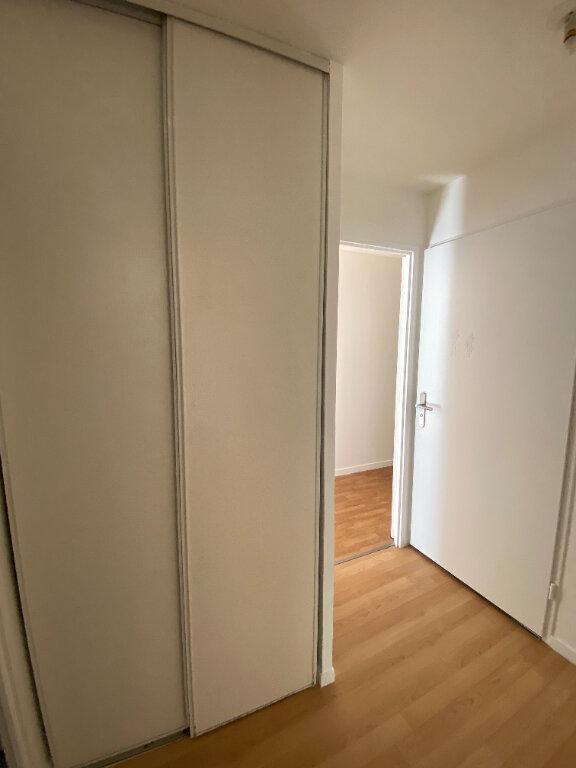 Appartement à louer 4 70.16m2 à Le Bourget vignette-11