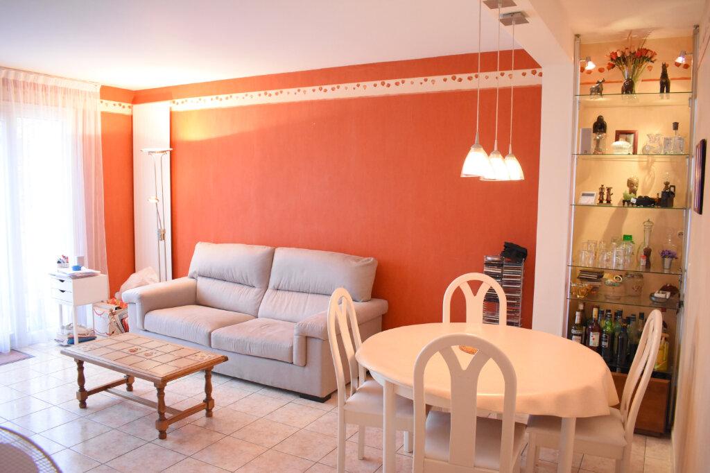 Appartement à vendre 3 70m2 à Ozoir-la-Ferrière vignette-2