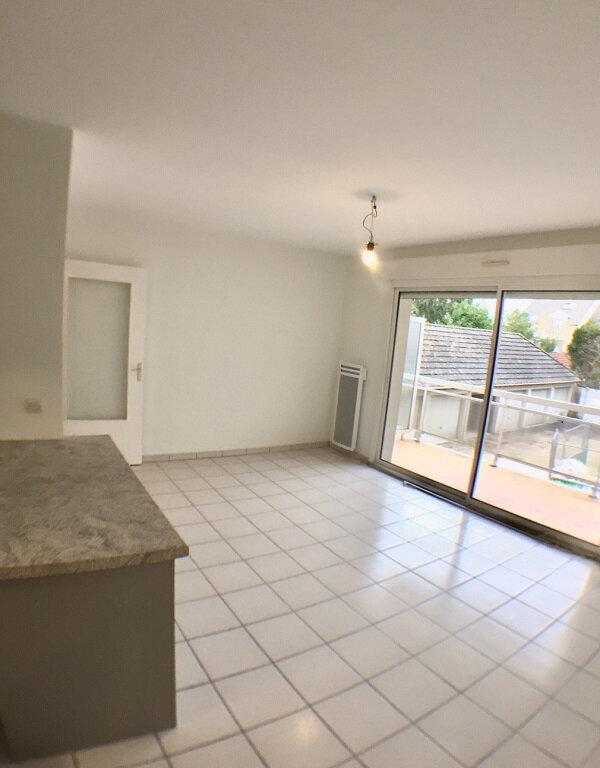 Appartement à louer 2 38m2 à Ozoir-la-Ferrière vignette-3