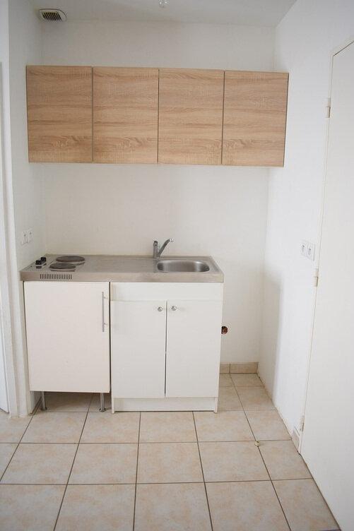 Appartement à louer 1 27m2 à Ozoir-la-Ferrière vignette-2