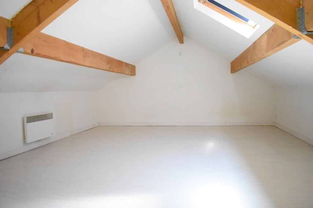 Appartement à louer 1 27m2 à Ozoir-la-Ferrière vignette-3
