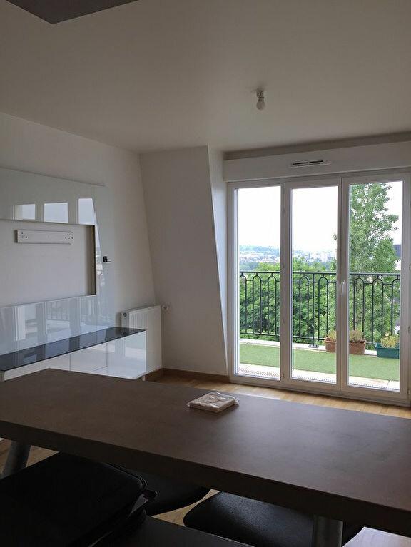 Appartement à louer 2 53.5m2 à Noisy-le-Grand vignette-5