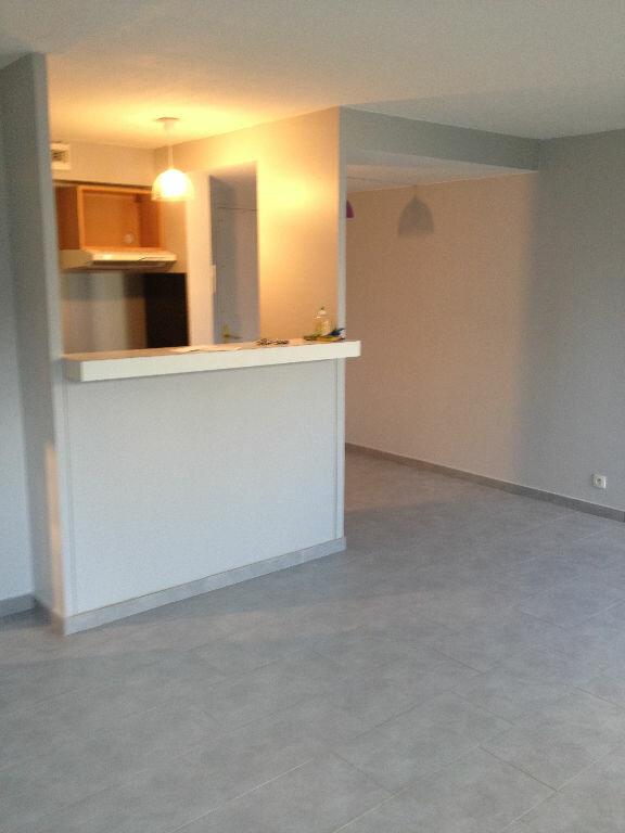 Appartement à louer 1 31.53m2 à Noisy-le-Grand vignette-2