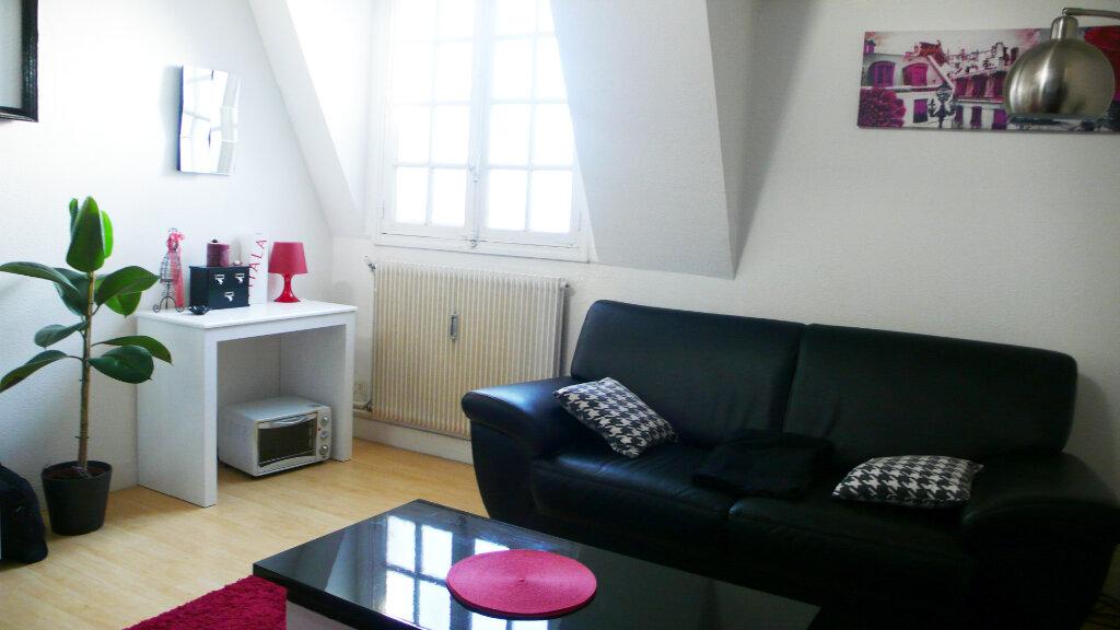 Appartement à louer 1 25.3m2 à Fontainebleau vignette-2