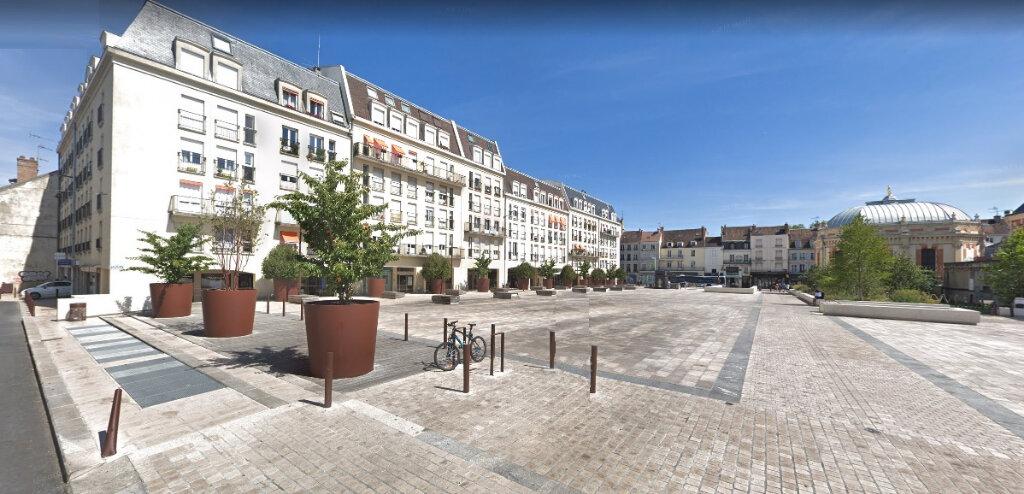Appartement à louer 5 89m2 à Fontainebleau vignette-1