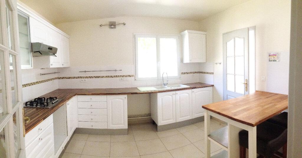 Maison à louer 6 169m2 à Montigny-sur-Loing vignette-3