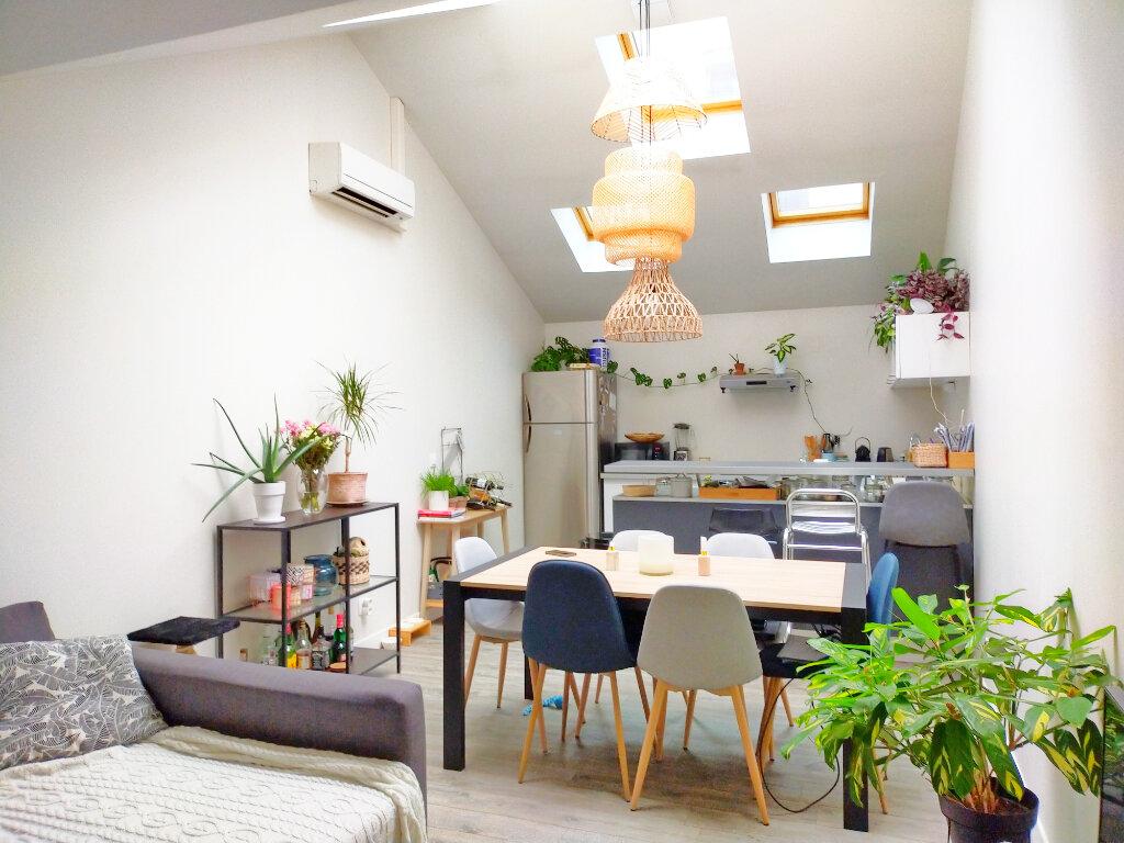 Appartement à louer 3 82m2 à Fontainebleau vignette-2