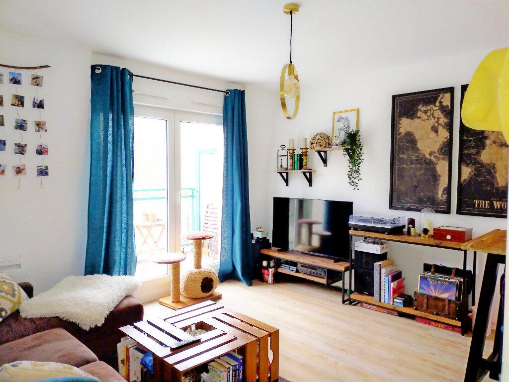 Appartement à louer 2 39m2 à Fontainebleau vignette-2