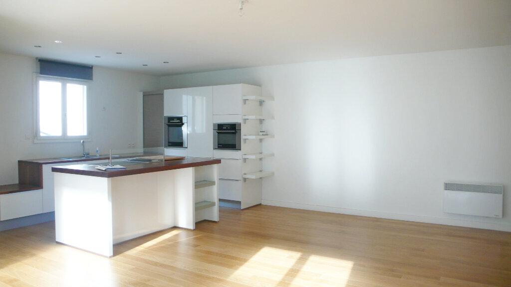 Appartement à louer 3 96m2 à Fontainebleau vignette-1
