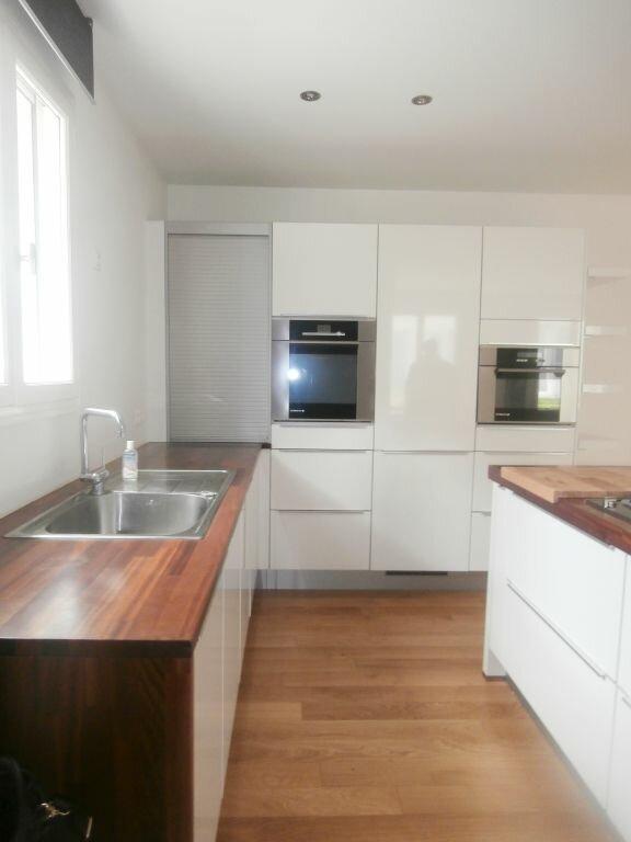 Appartement à louer 3 96m2 à Fontainebleau vignette-3