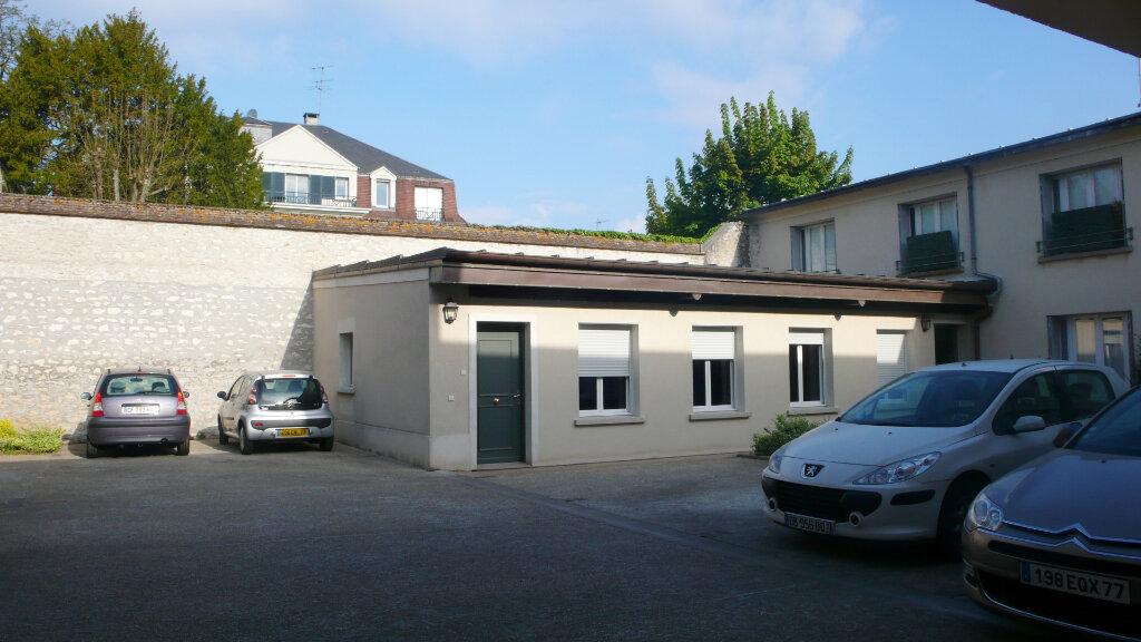 Appartement à louer 3 96m2 à Fontainebleau vignette-8
