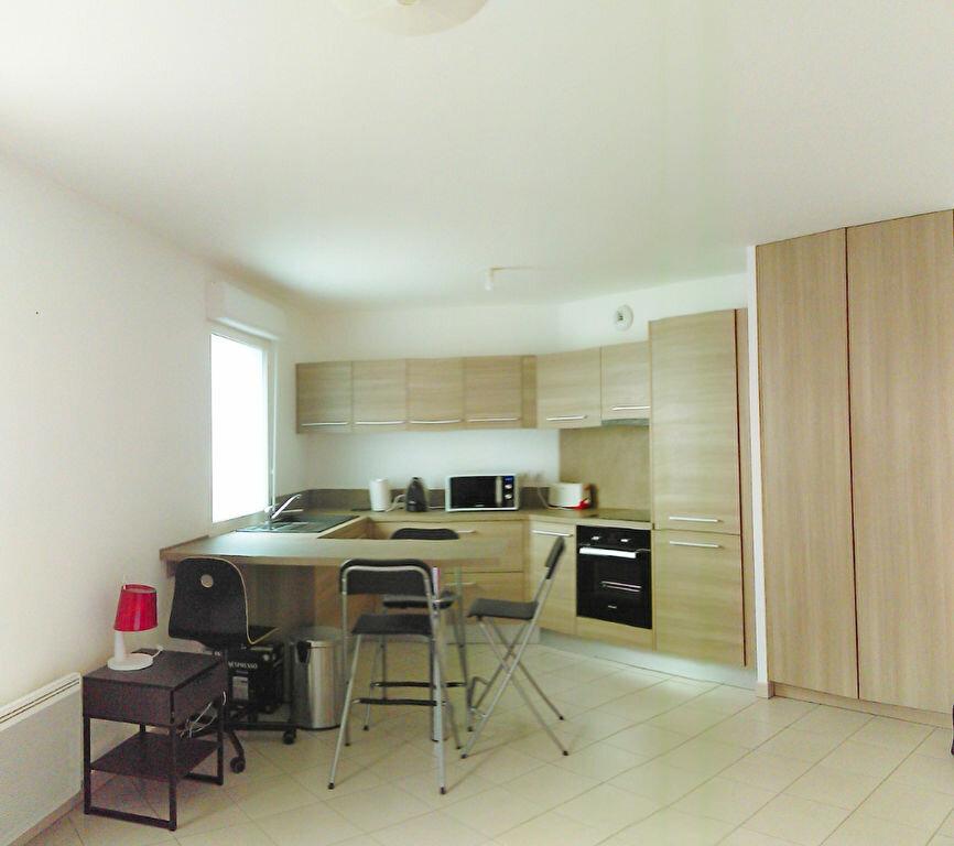 Appartement à louer 1 33m2 à Avon vignette-2