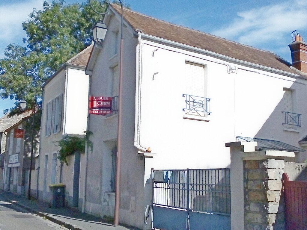 Maison à louer 3 63m2 à Avon vignette-1