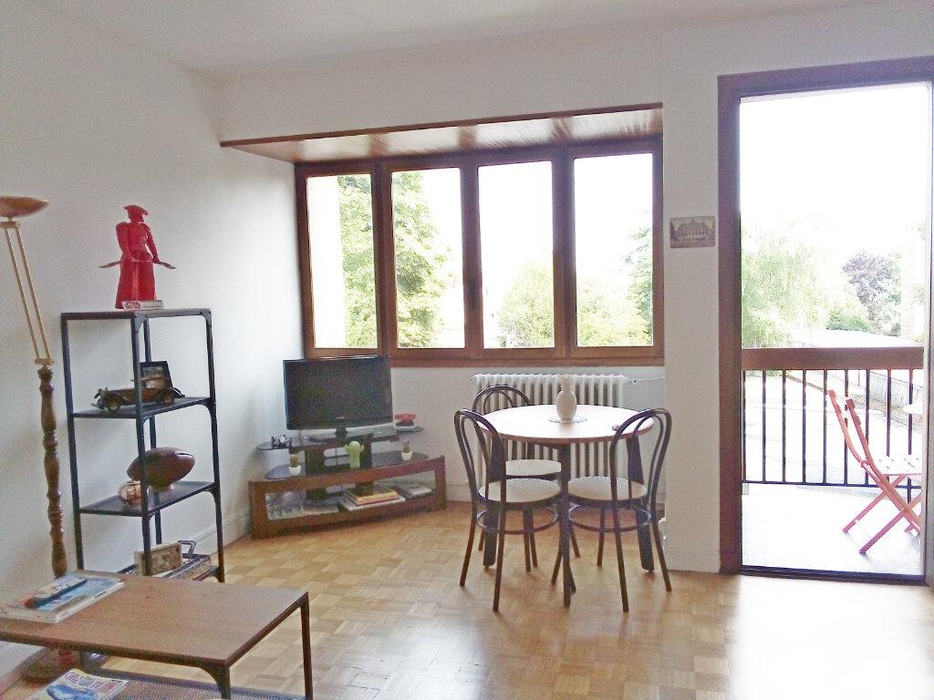 Appartement à louer 1 29m2 à Fontainebleau vignette-3