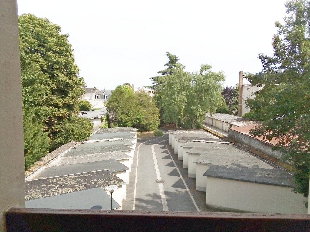 Appartement à louer 1 29m2 à Fontainebleau vignette-7