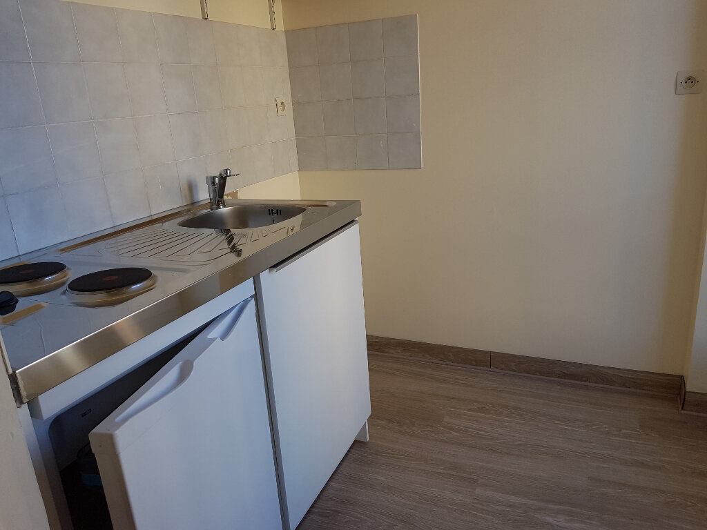 Appartement à louer 2 30m2 à Mamers vignette-2