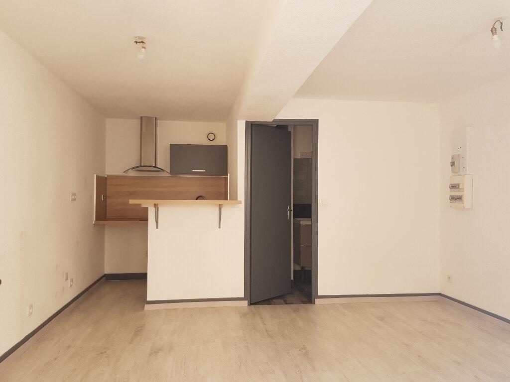 Appartement à louer 1 25m2 à Mamers vignette-6