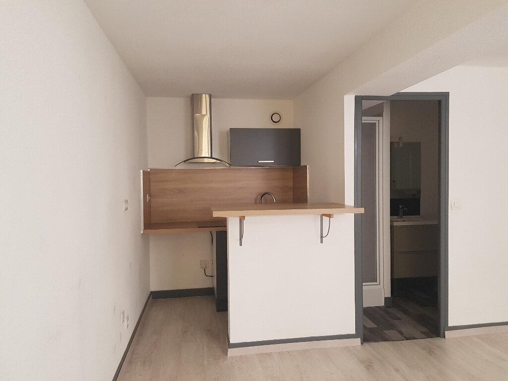 Appartement à louer 1 25m2 à Mamers vignette-9