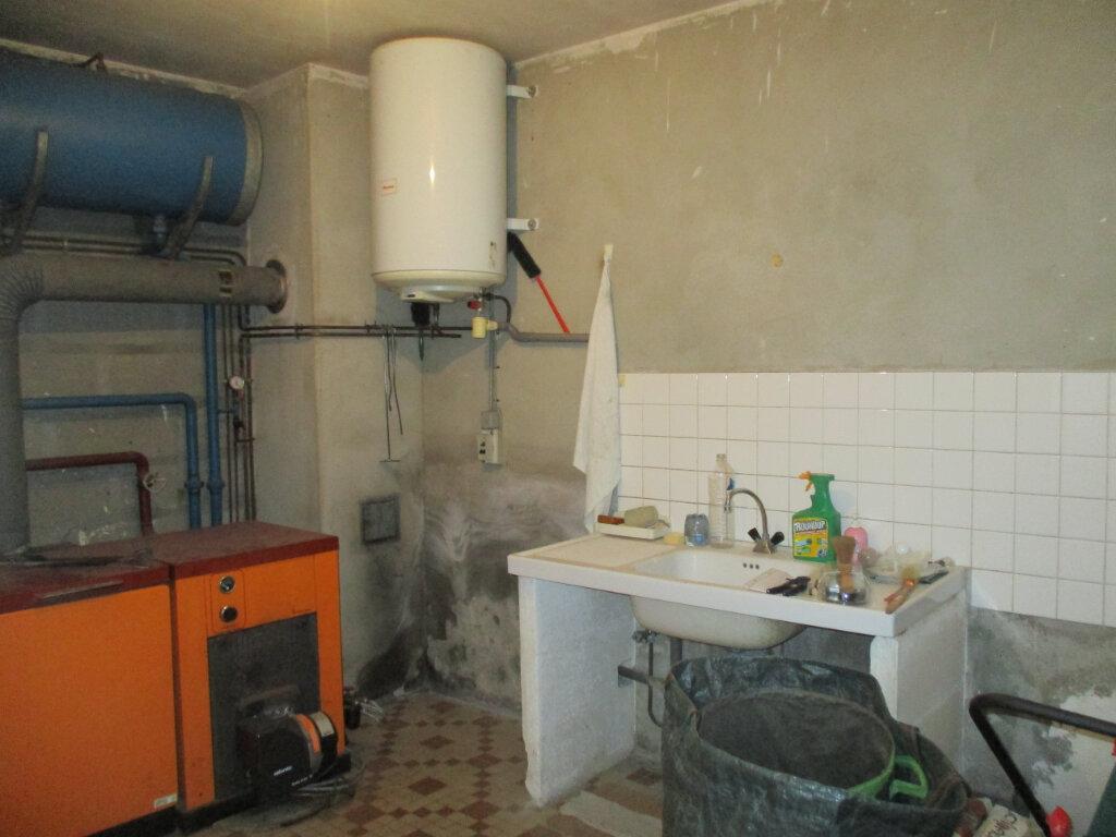 Maison à vendre 5 109m2 à Saint-Rémy-des-Monts vignette-11