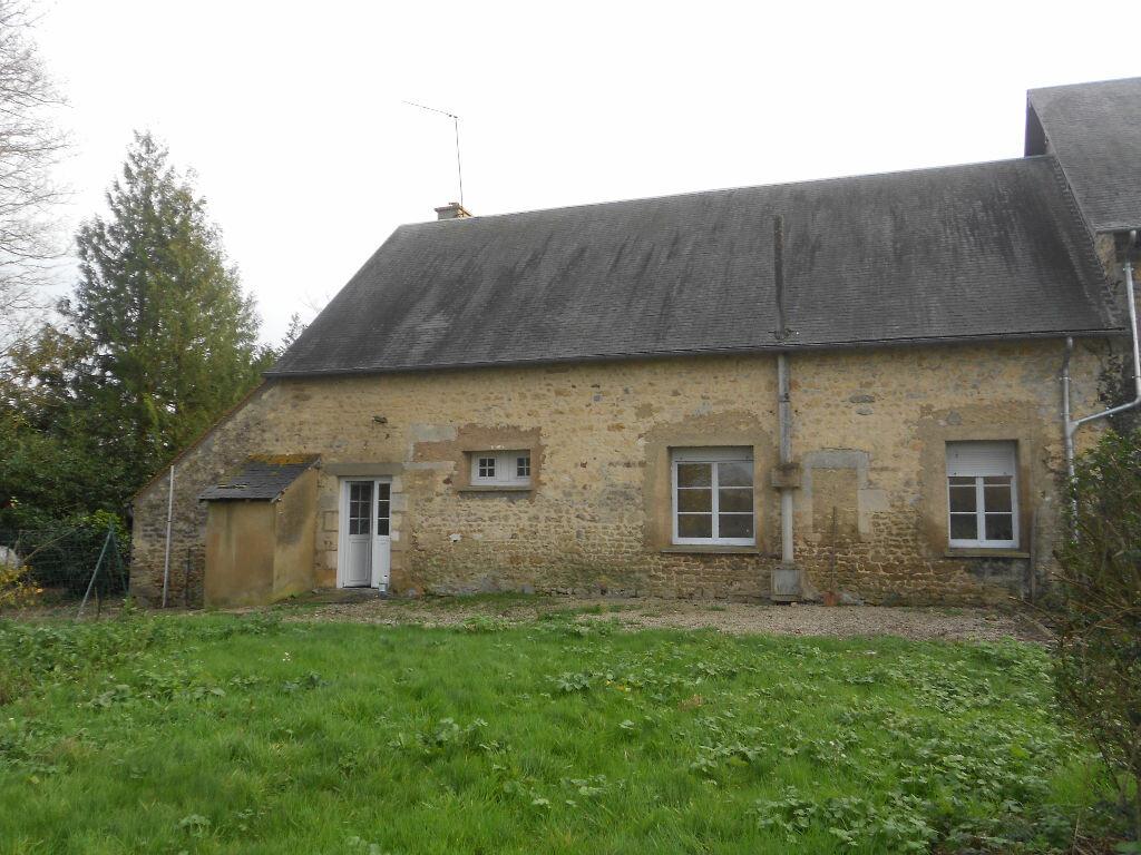 Maison à louer 5 106m2 à Roullée vignette-2