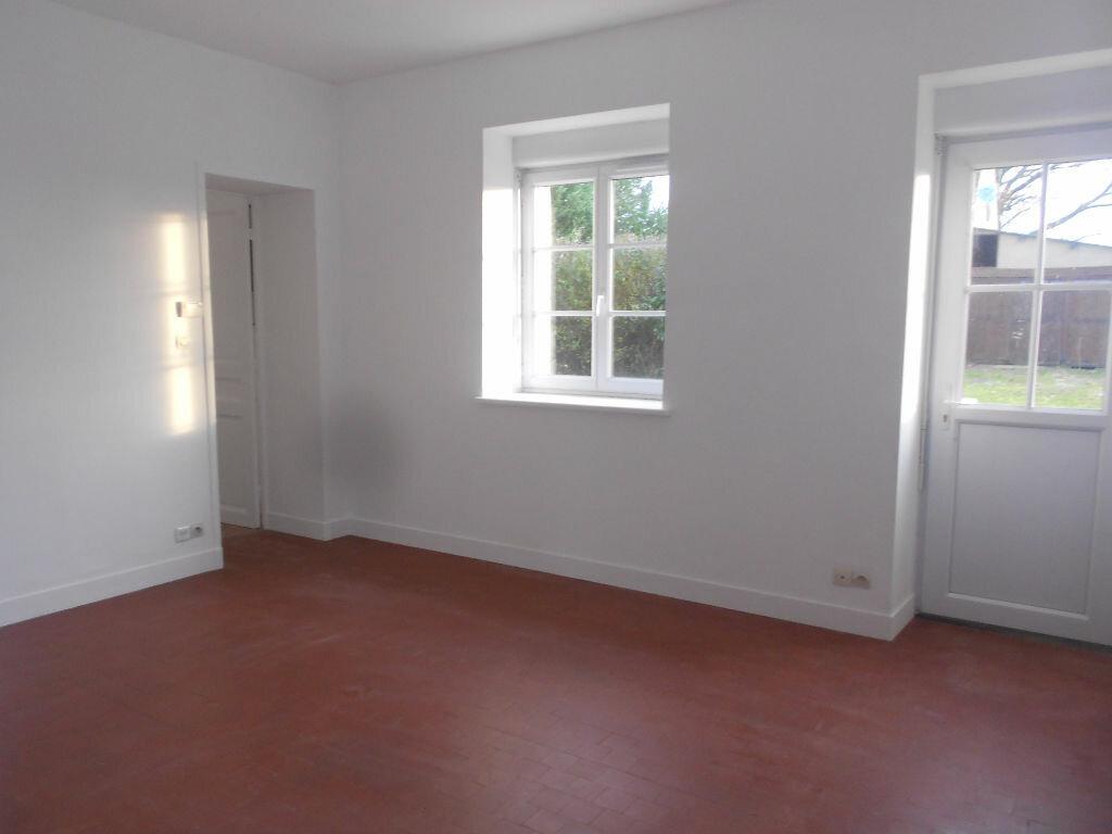 Maison à louer 5 106m2 à Roullée vignette-4