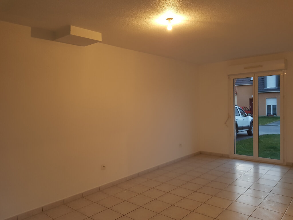 Maison à louer 3 55m2 à Mamers vignette-2