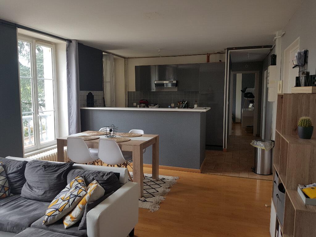 Appartement à louer 3 70m2 à Mamers vignette-2