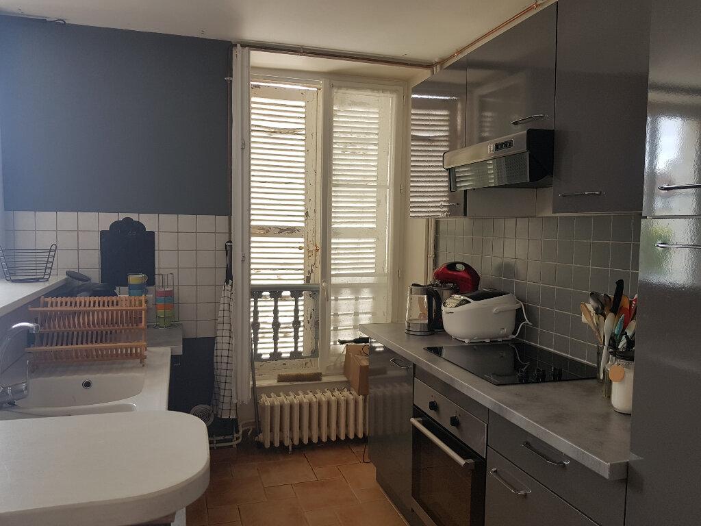 Appartement à louer 3 70m2 à Mamers vignette-4