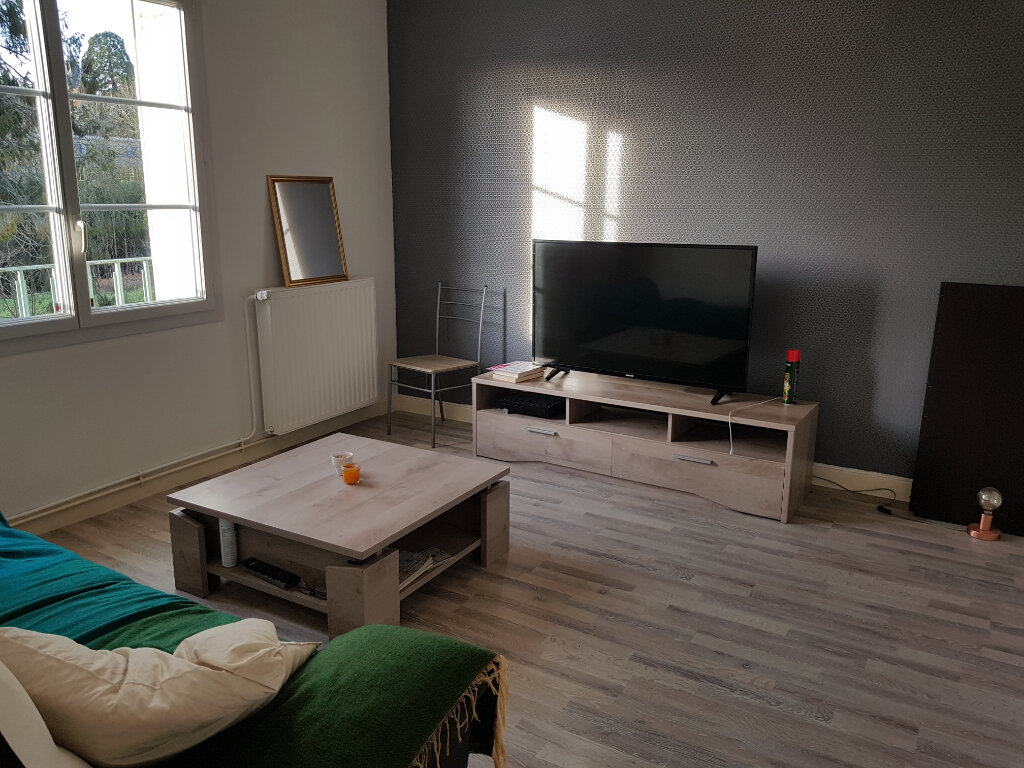 Appartement à louer 5 80m2 à Mamers vignette-2