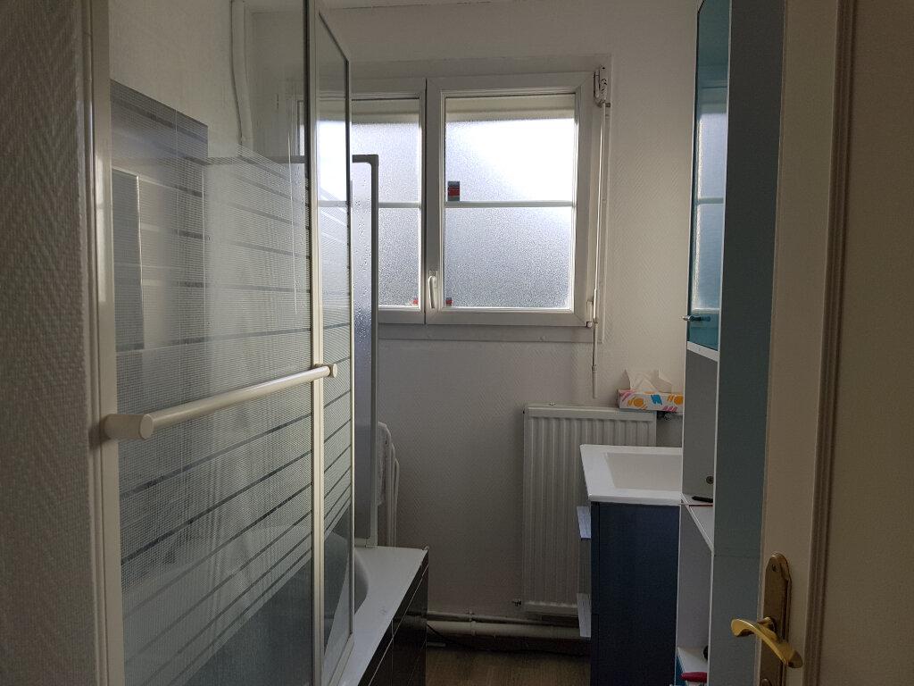 Appartement à louer 5 80m2 à Mamers vignette-11